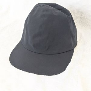 Lululemon light speed run cap